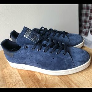 Blue suede shoes / Stan Smith